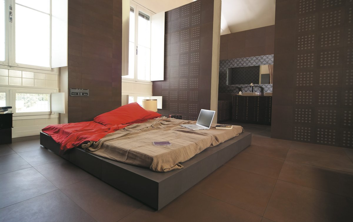 Brown Ground Porcelain Tile